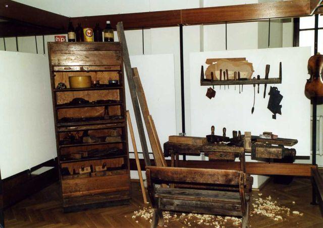 W pracowni lutnika – z kolekcji Borowieckich