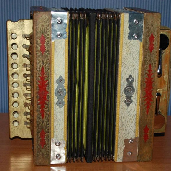Kolejne instrumenty muzyczne powróciły do szydłowieckiego muzeum po konserwacji