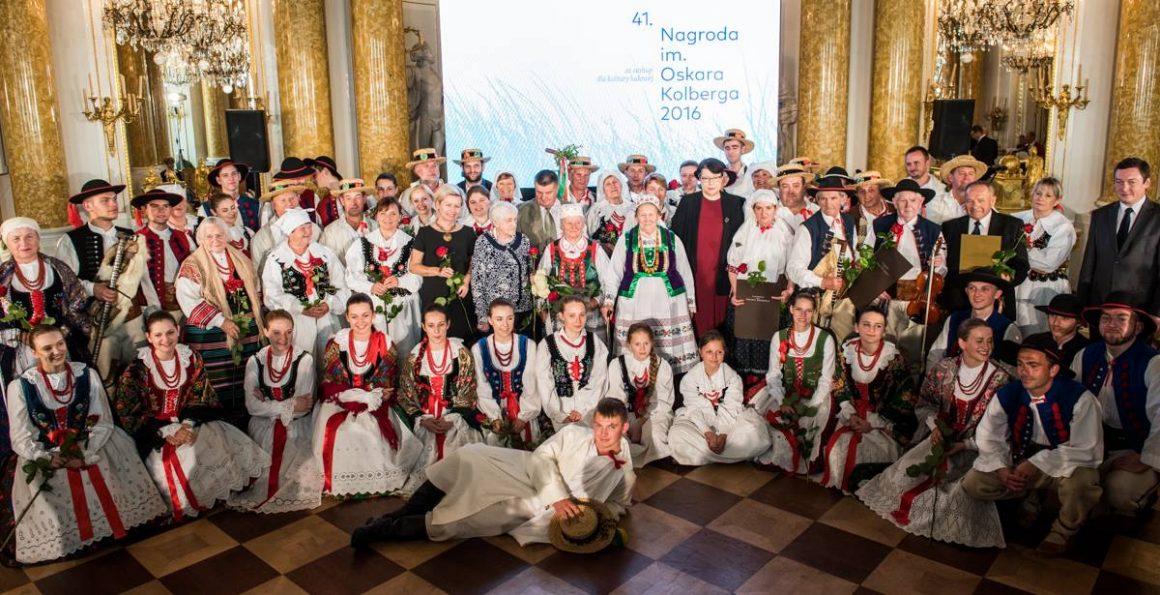"""Szydłowieckie Muzeum uhonorowane w 41 edycji Nagrody im. Oskara Kolberga """"Za zasługi dla kultury ludowej"""""""