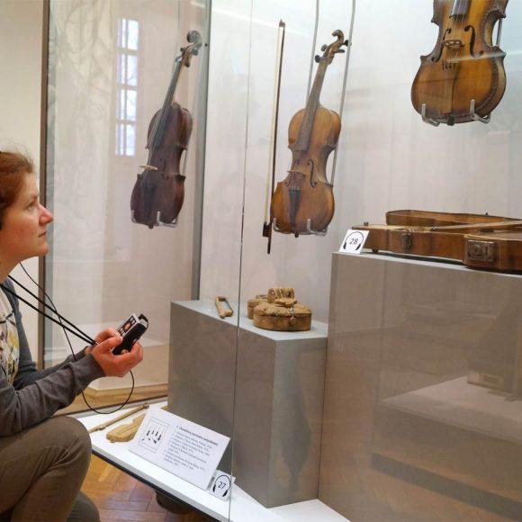 Ekspozycja stała Muzeum Ludowych Instrumentów Muzycznych w Szydłowcu wzbogacona o system audialny