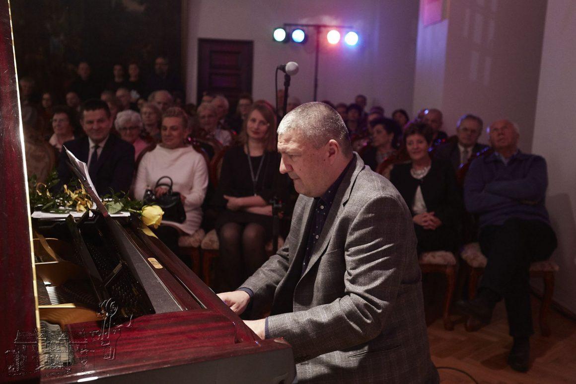 Kuba Stankiewicz International Jazz Trio