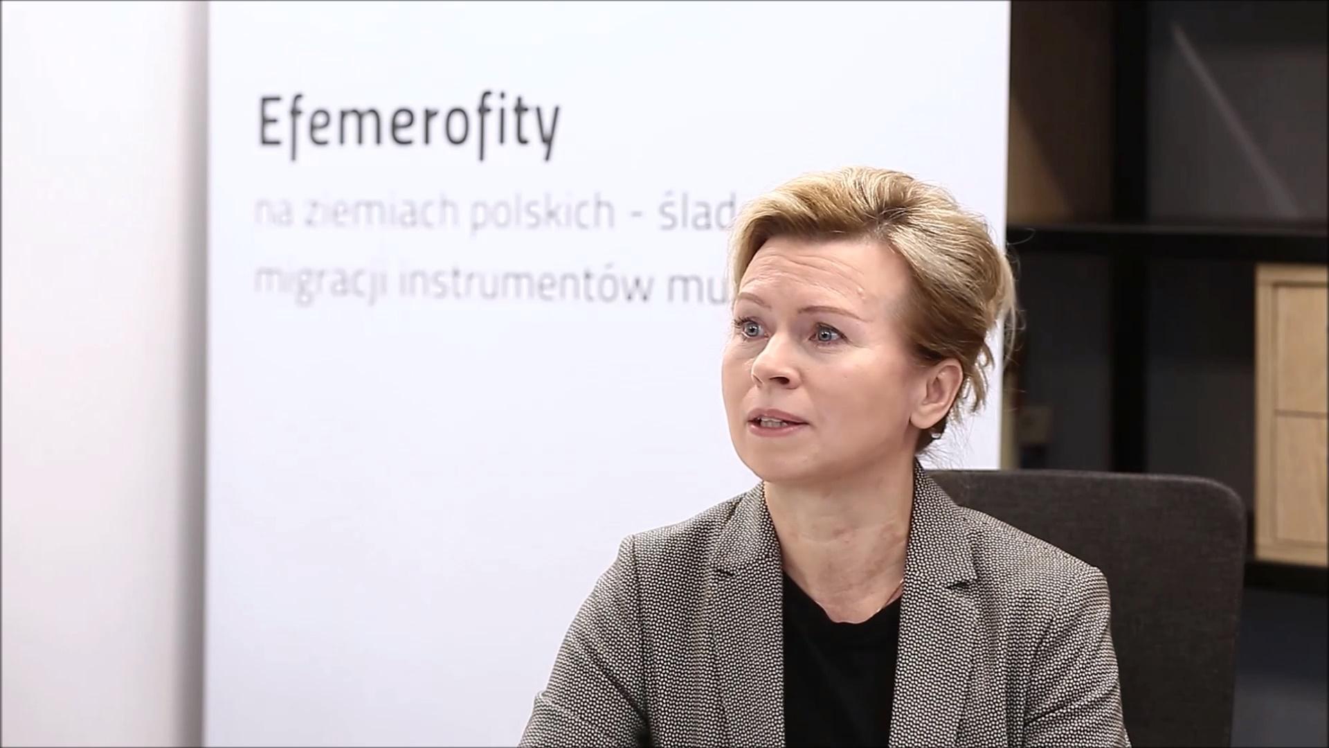 dr Aneta I. Oborny – Muzealne podróże muzycznych artefaktów. Szydłowieckie zbiory – nowe treści w nowych przestrzeniach